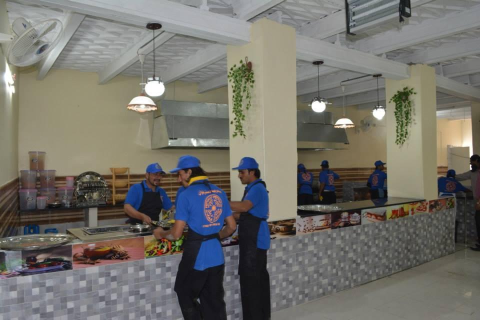 Bahria Dastarkhwan Setup at Super Highway, Karachi (17)
