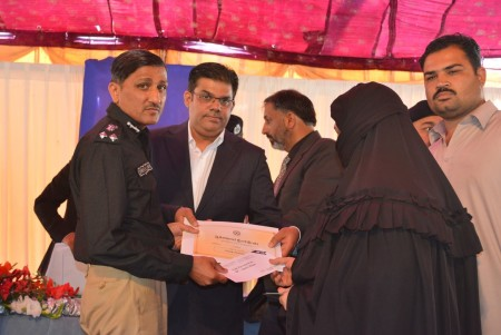 Bahria Town Allots Plots to Families of 20 Martyred Policemen (2)
