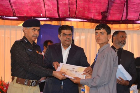 Bahria Town Allots Plots to Families of 20 Martyred Policemen (4)