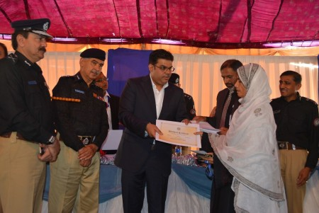 Bahria Town Allots Plots to Families of 20 Martyred Policemen (5)
