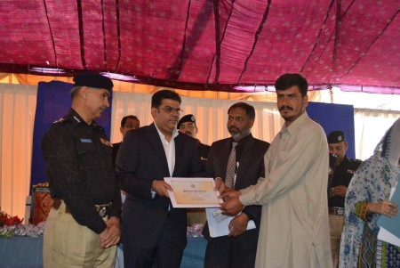 Bahria Town Allots Plots to Families of 20 Martyred Policemen (7)