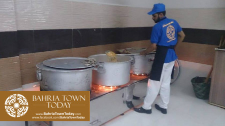 Bahria Town Opens Two Dastarkhwans in Hyderabad  (1)