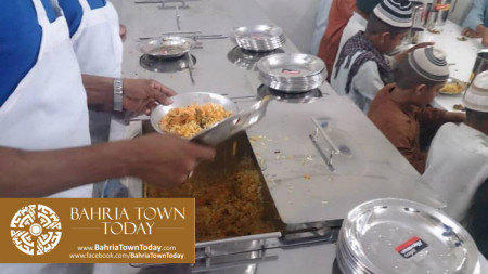 Bahria Town Opens Two Dastarkhwans in Hyderabad  (7)