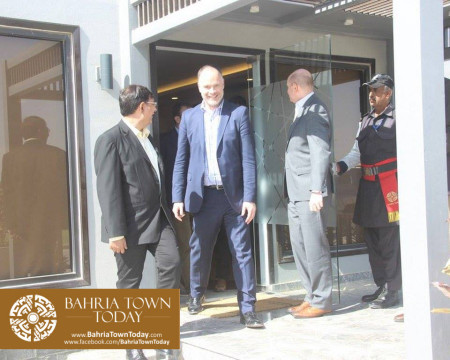 US Council General & Consulate Staff Visited Bahria Town Karachi (14)