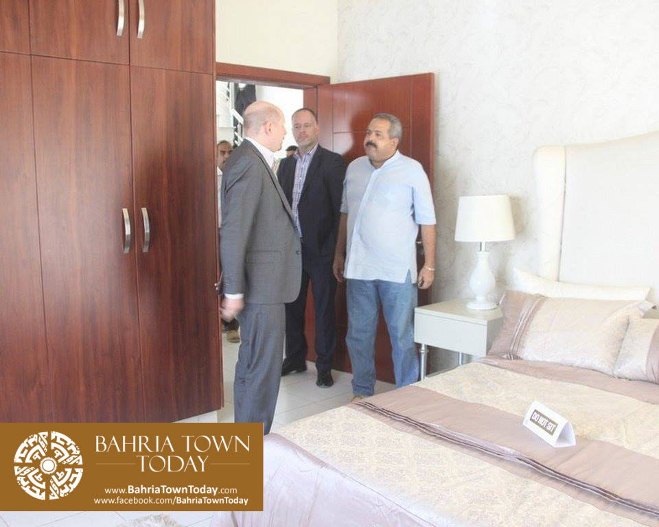 US Council General & Consulate Staff Visited Bahria Town Karachi (15)