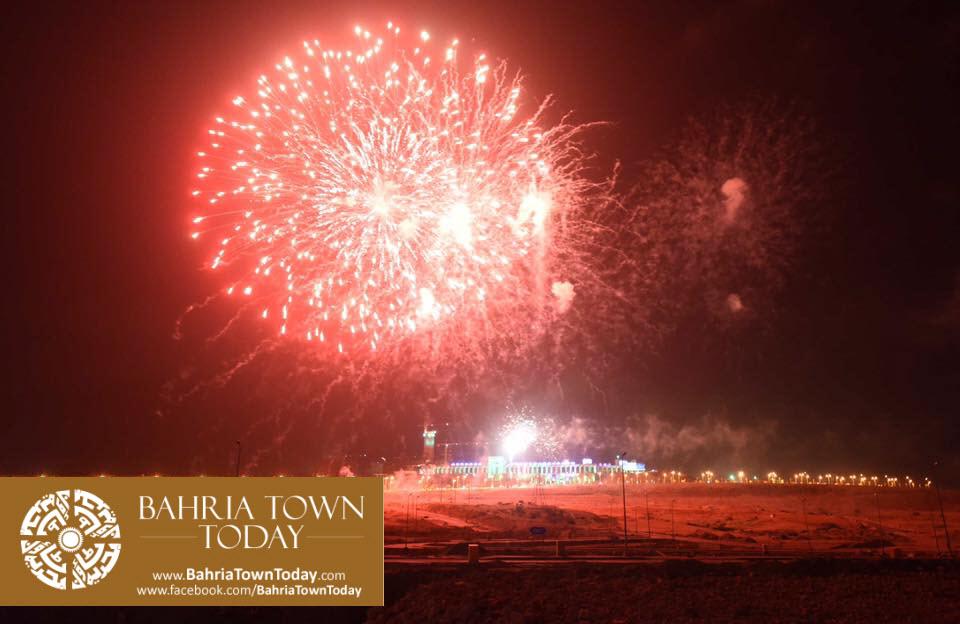 grand-fireworks-in-bahria-town-karachi-9th-september-2016-10