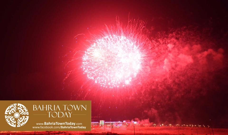 grand-fireworks-in-bahria-town-karachi-9th-september-2016-13