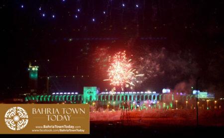 grand-fireworks-in-bahria-town-karachi-9th-september-2016-16