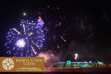 grand-fireworks-in-bahria-town-karachi-9th-september-2016-18