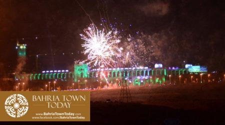 grand-fireworks-in-bahria-town-karachi-9th-september-2016-6