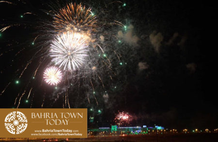 grand-fireworks-in-bahria-town-karachi-9th-september-2016-7